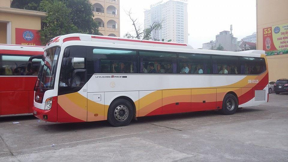 Xe du lịch 45 chỗ của Việt Anh trở khách đi du lịch Sầm Sơn