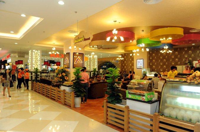 Một số cửa hàng ẩm thực bên trong Royal City