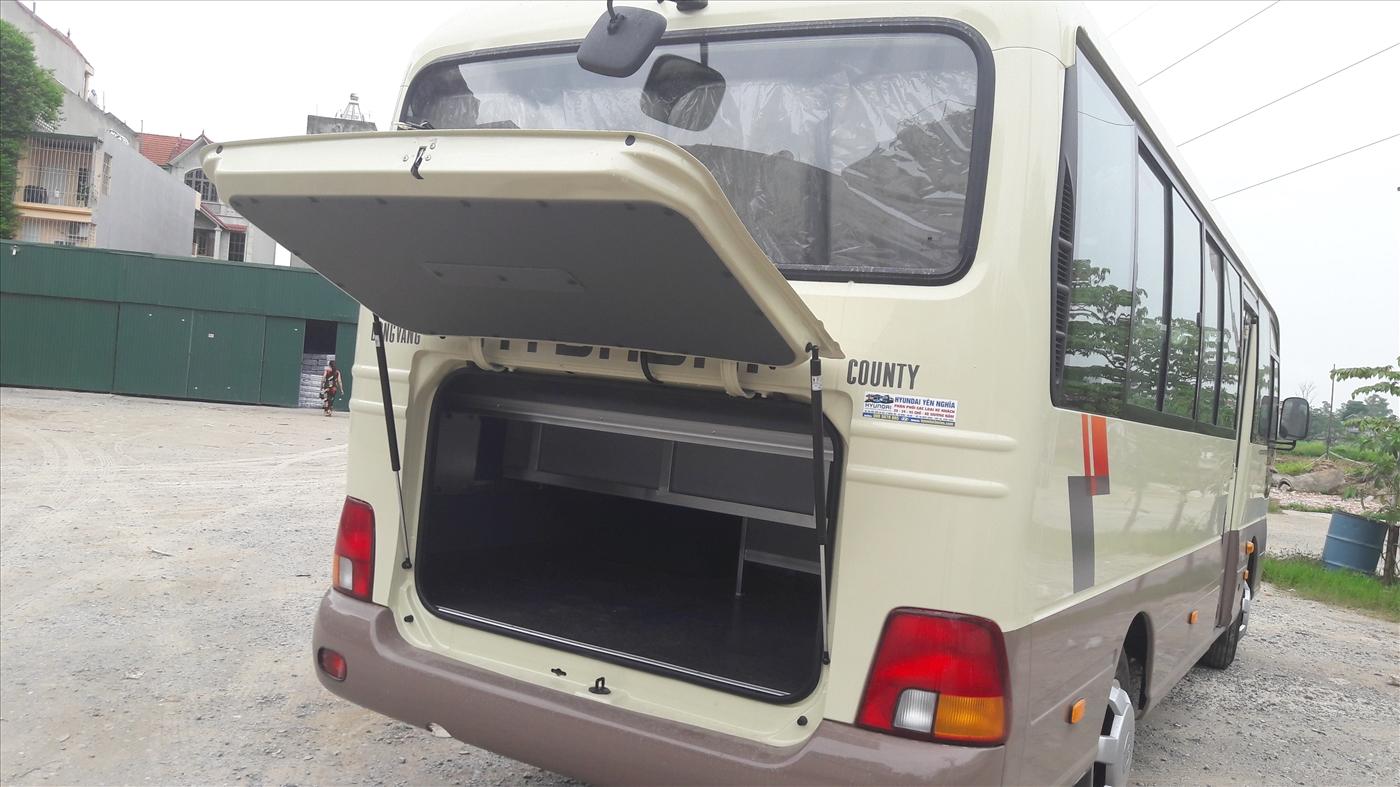 Cốp rộng của xe hyundai county 29 chỗ