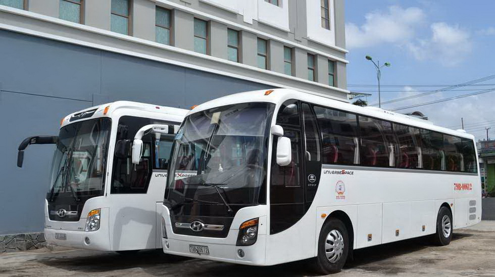 Thuê xe Hyundai Universe 45 Chỗ Giá Rẻ